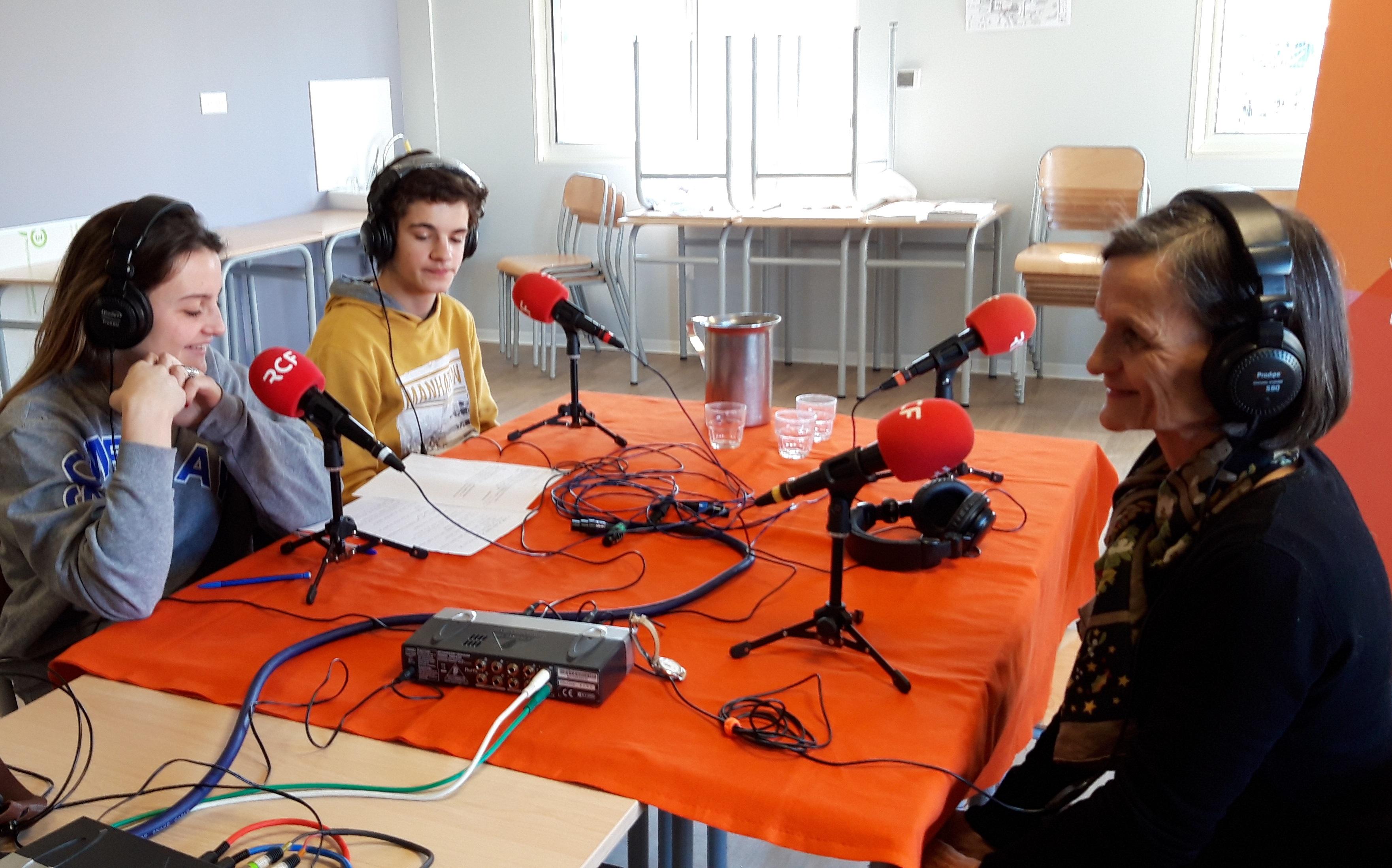 RCF La Radio Dans Notre Lycée  Les Dates De Programmation Des Chroniques Des élèves : Du 11 Au 20 Mars ( Sauf Les Samedi Et Dimanche) à 12h05.